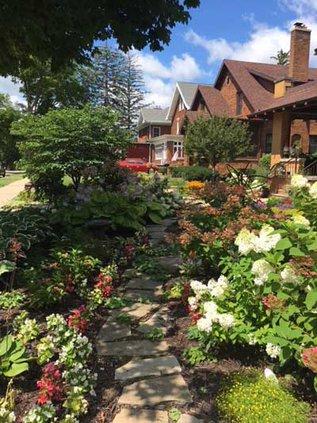 Garden Walk Goetz