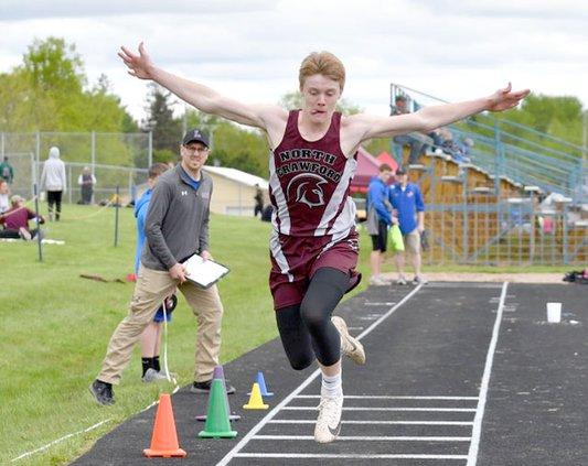 Munson jumps