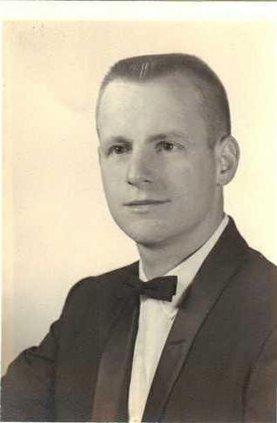 Obit Robert W Klindt