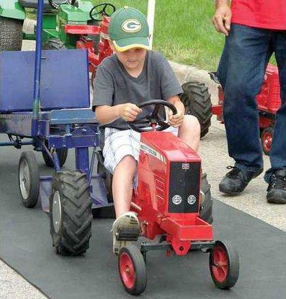 1B kiddie tractor pull