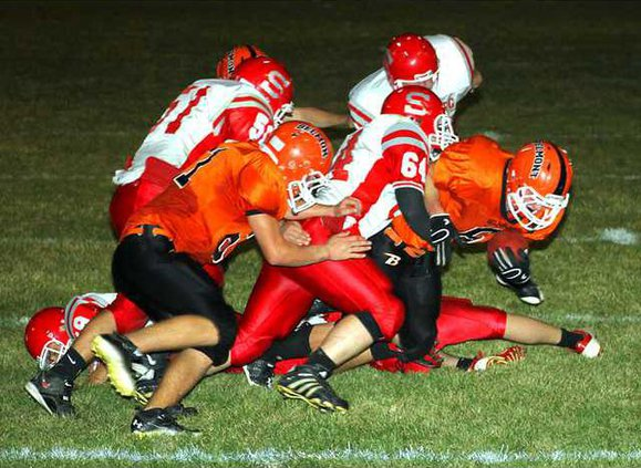 SWBel-Shulls FB Wedig tackle