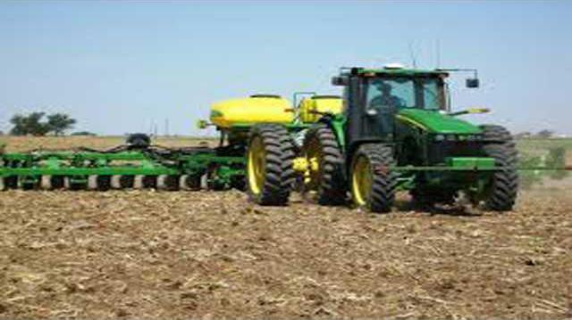 CROP planting corn