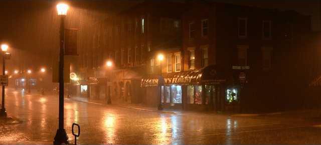 Mon night rain