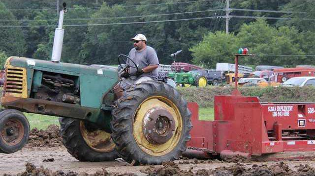 CR Tractor Pull