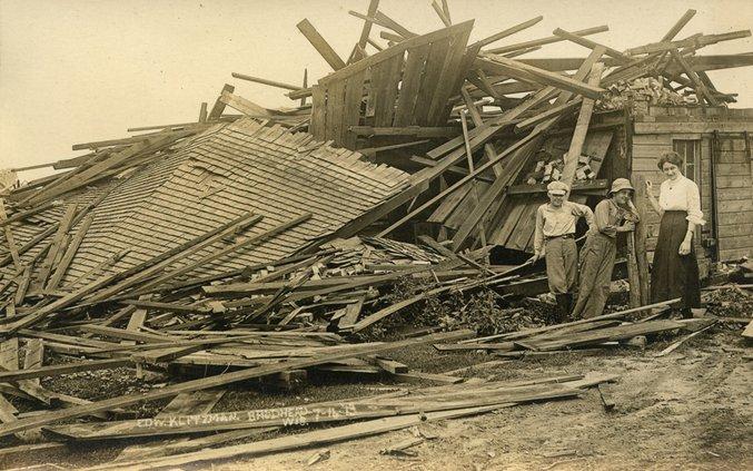 old photo tornado