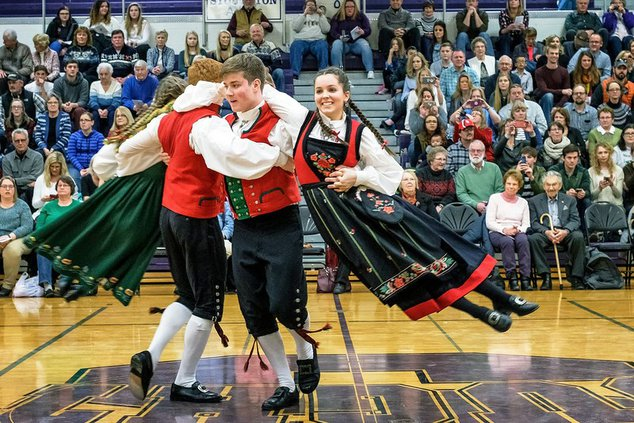 norwegian dance troupe