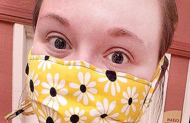 MASKS_Platteville health worker