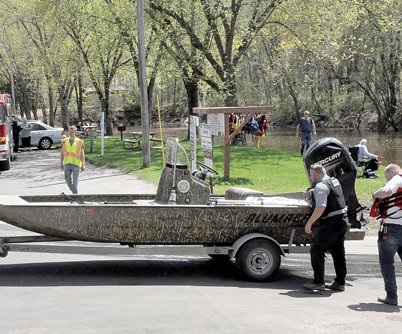 Search continues on Wisconsin River
