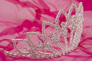 queen crown stock