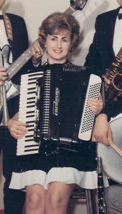 Shirley Lundstrom