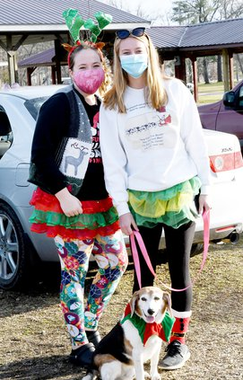 Ugly Sweater_Gracie, Ashlee and Shaggy