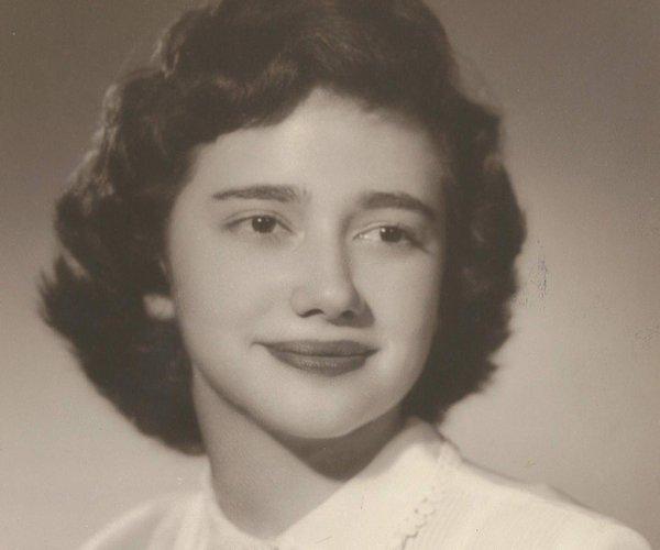 Elizabeth Crye