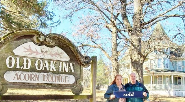 Deb and Homer Arndt_Old Oak Inn