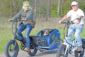 Pookie the Newshound e-biking